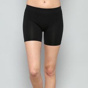 NWT Seamless black Shorts